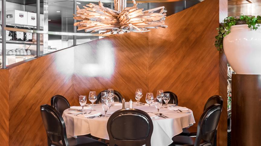 round_dining_interior